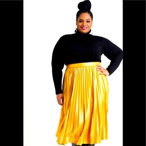 Ashley Stewart Metallic Gold Skirt Size 22/24